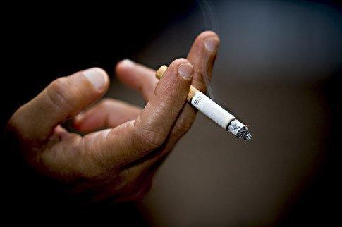 сигарета крупным планом